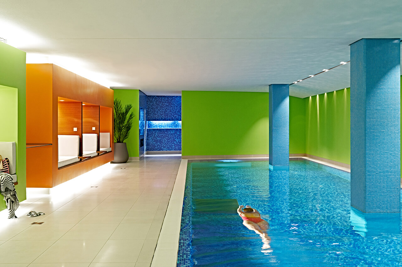 Hotel Gallery Pool 2