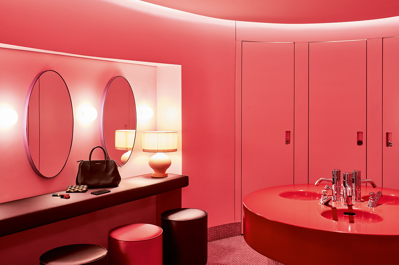 Hotel Gallery Restroom Damen