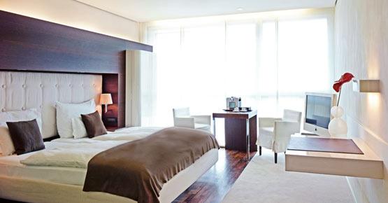 Business Zimmer mit King Size Bett und Nespresso Maschine