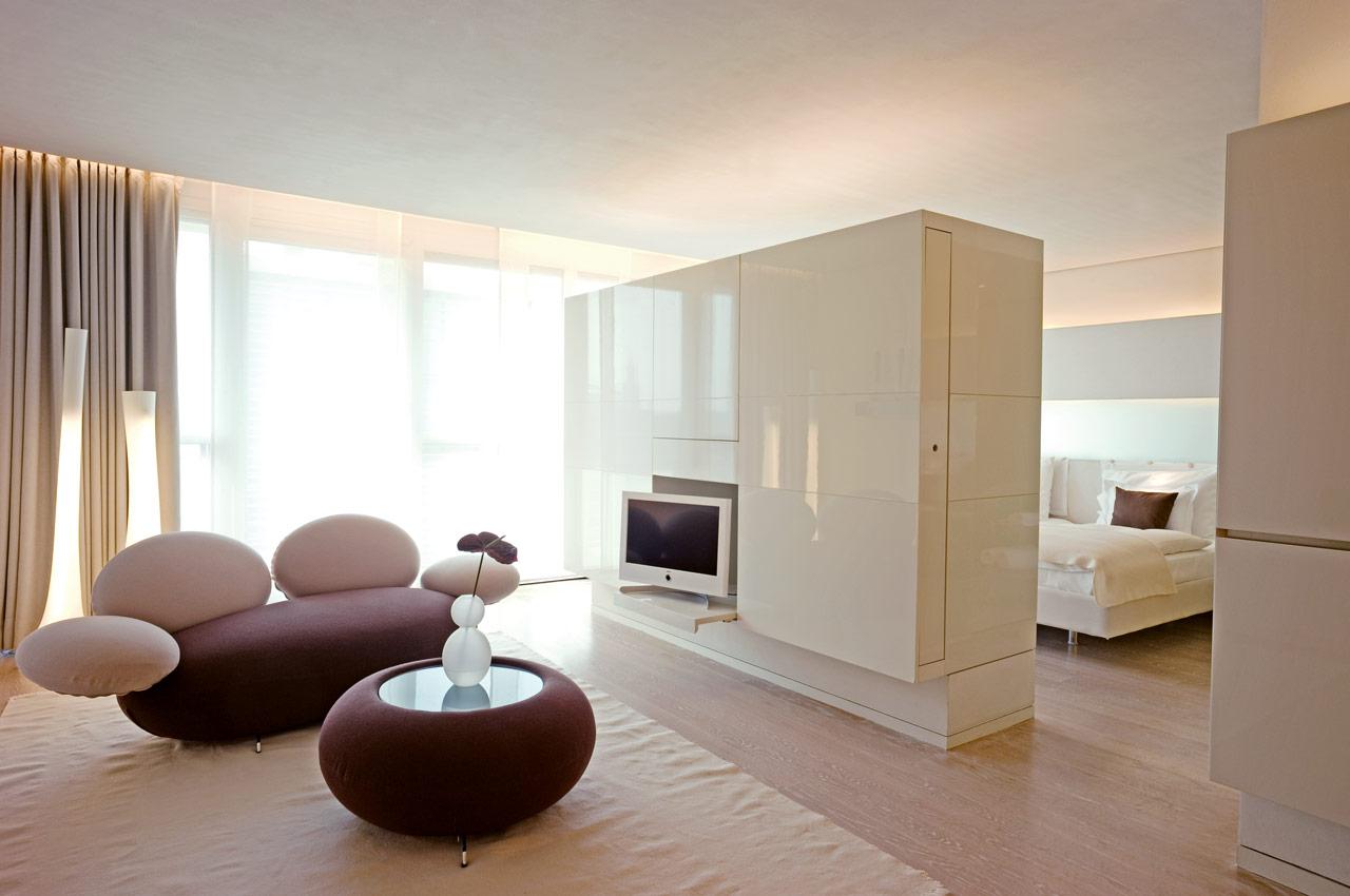 foto film inside die besten fotos und videos vom side hotel. Black Bedroom Furniture Sets. Home Design Ideas