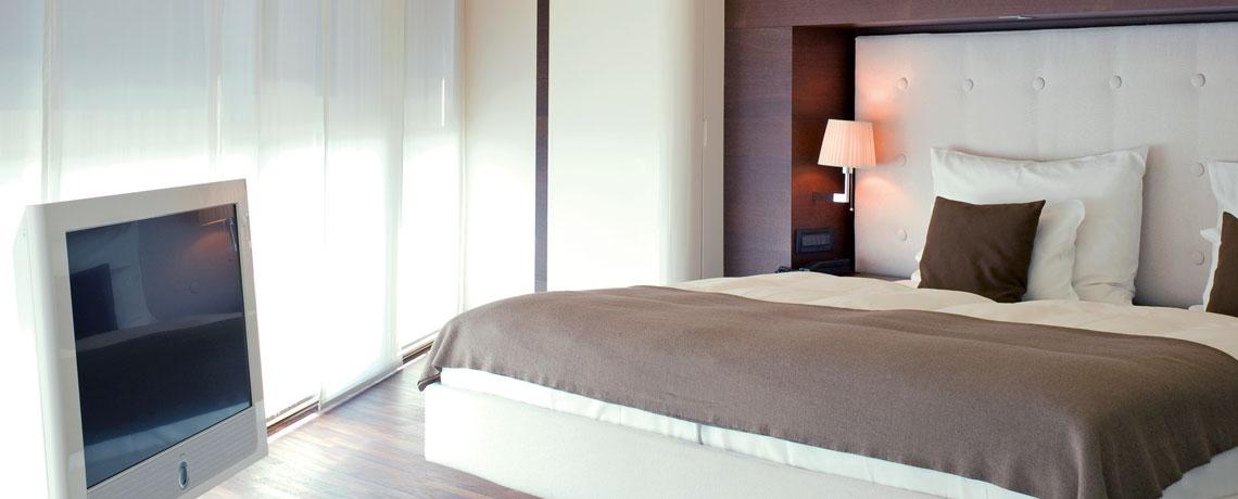 Executive Zimmer mit Loewe Flatscreen