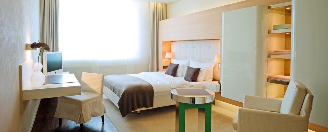 Hamburg Hotel Ein Buch Ein Bett